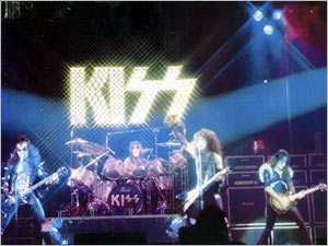 KISS живьём, 1975 год